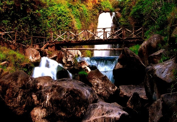 by afshooter photo on Flickr.Cascada de Peguche - Otavalo, Ecuador.