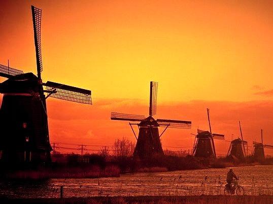 Typical dutch scenery in Kinderdjik, The Netherlands