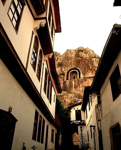 The Ottoman houses and royal cliff tombs of Amasya, northern Turkey